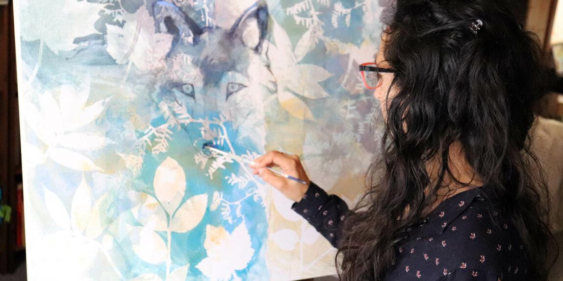carine-genadry-artiste-peintre-en-action